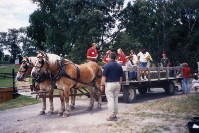 2004-wagon-ride-400px
